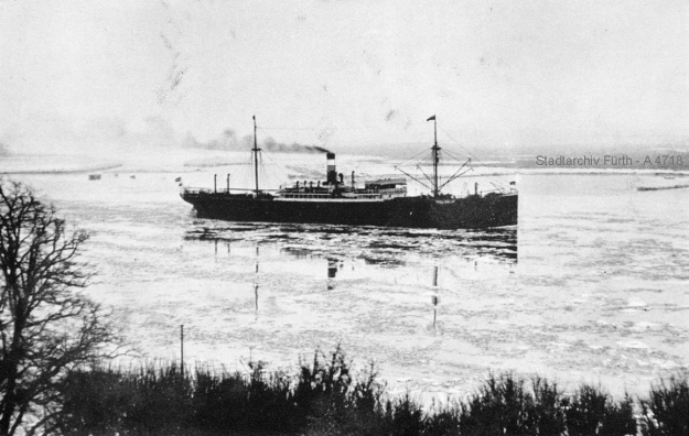 "German-Australian Liner ""Hagen"", sister vessel of the steamer Fürth"