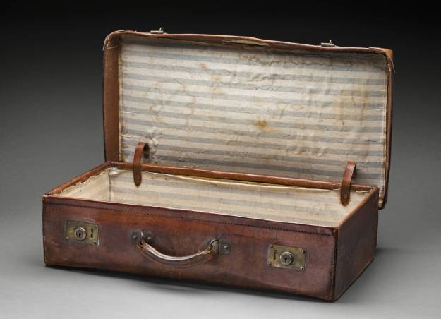 leather suitcase 1913
