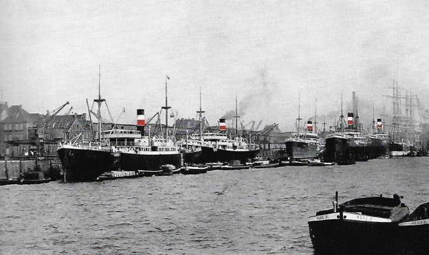 German Australian Line, steamships in Hamburg