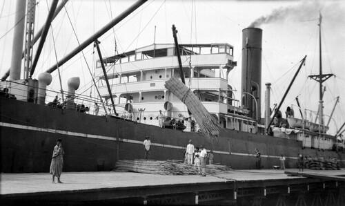 Makassar harbour 1937