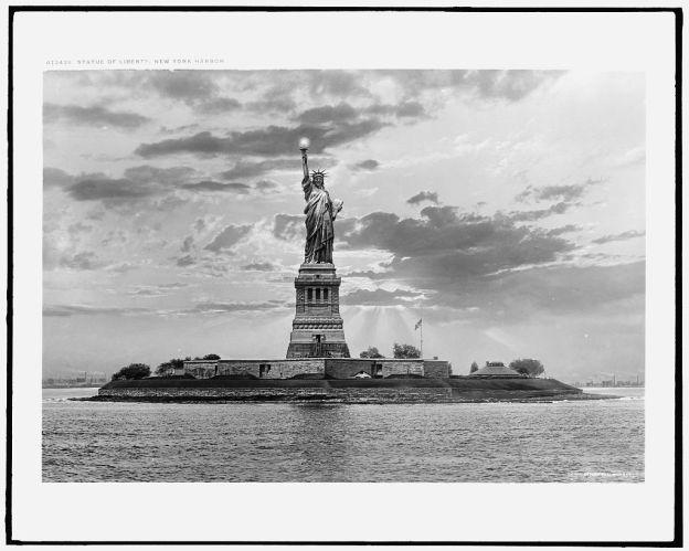 New York Harbor, Statue of Liberty