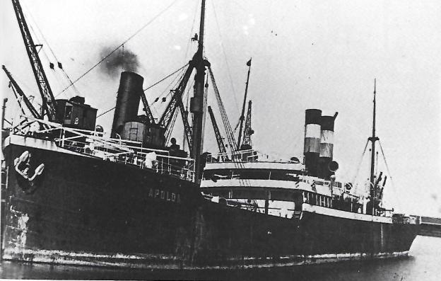 """Das Dampfschiff """"Apolda"""", beschlagnahmt beim Einlaufen in Kapstadt im August 1914, © Reinhart Schmelzkopf: Deutsch-Australische Dampfschiffs-Gesellschaft, Hamburg 1888-1926"""