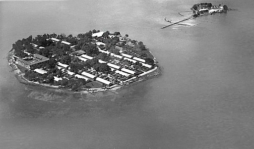 Onrust Island and Kuiper Island 1925