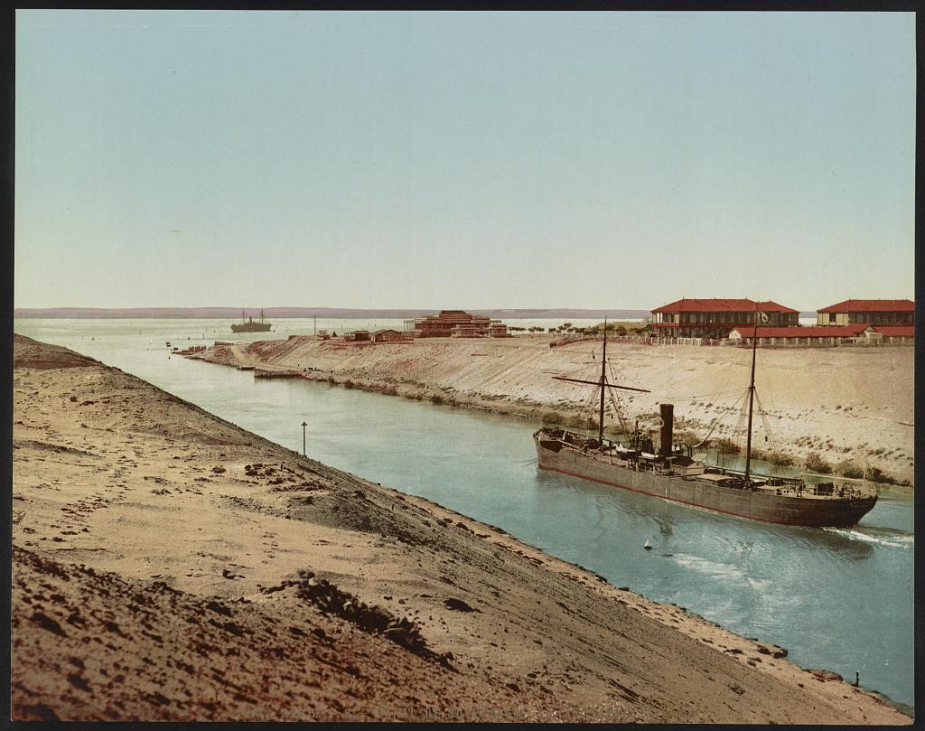 Timsah Lake, Suez canal