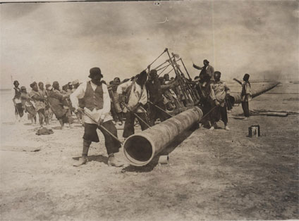 Pipeline construction, Persia about 1910