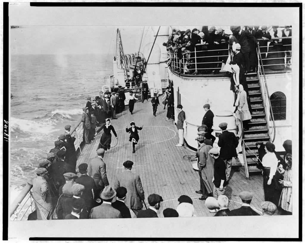 RMS Mauretania, deck games