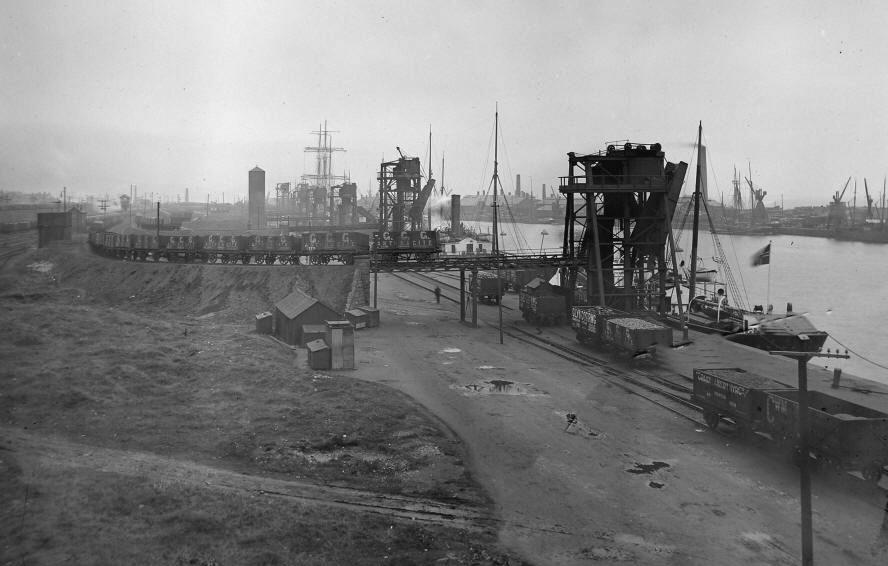 Swansea Docks um 1900